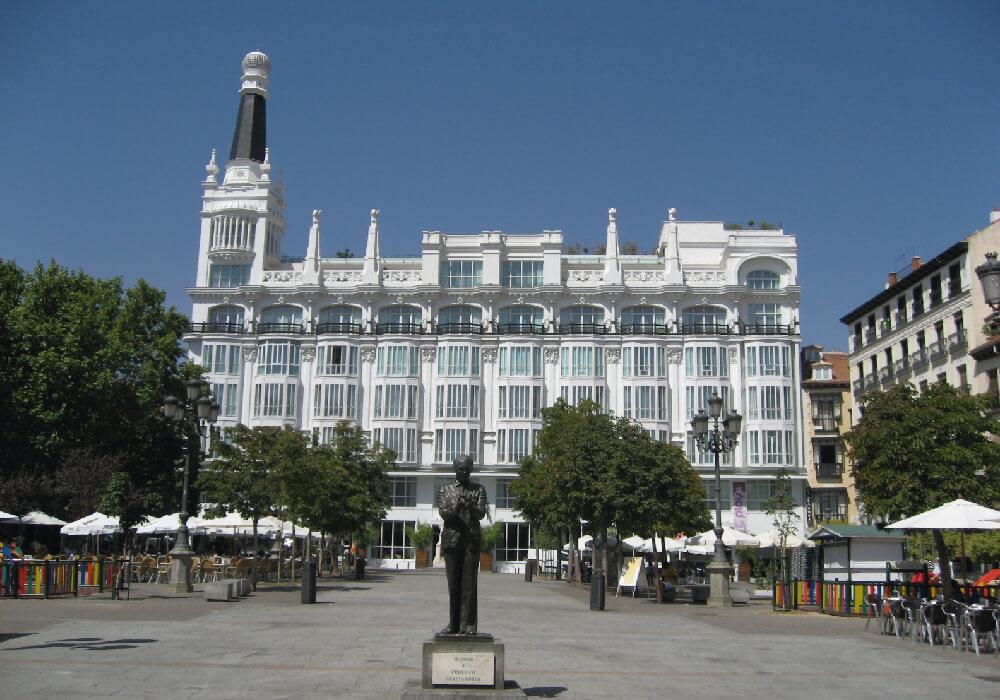 plaza santa ana uno de los sitios para ver en madrid