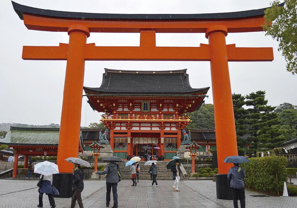 Santuario dedicado al espíritu de Inari. (Deidad Japonesa)
