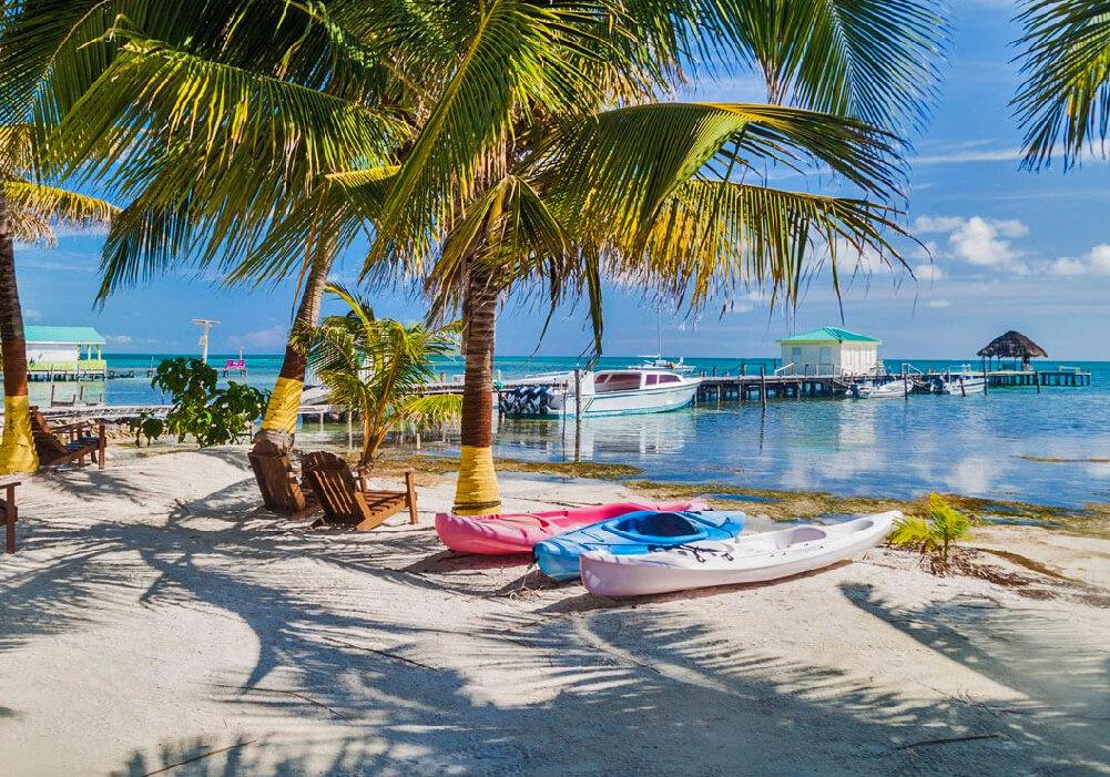 Poseedora de cientos de Islas bajas llamadas cayos.