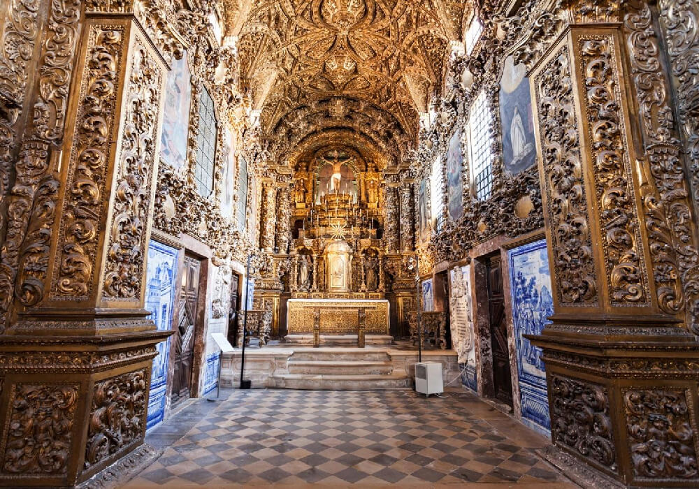 Este convento se ha convertido en un museo de arte religioso.