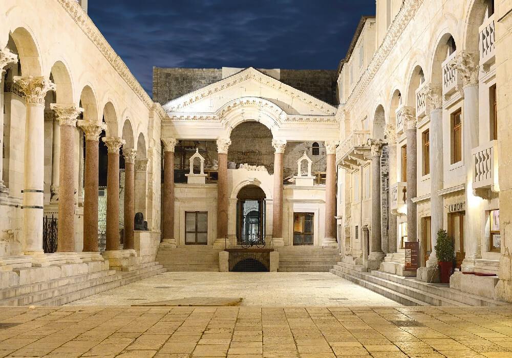 Monumento construido por encargo del emperador romano Diocleciano.