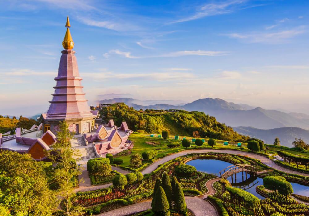 """Apodado """"el techo de Tailandia""""."""