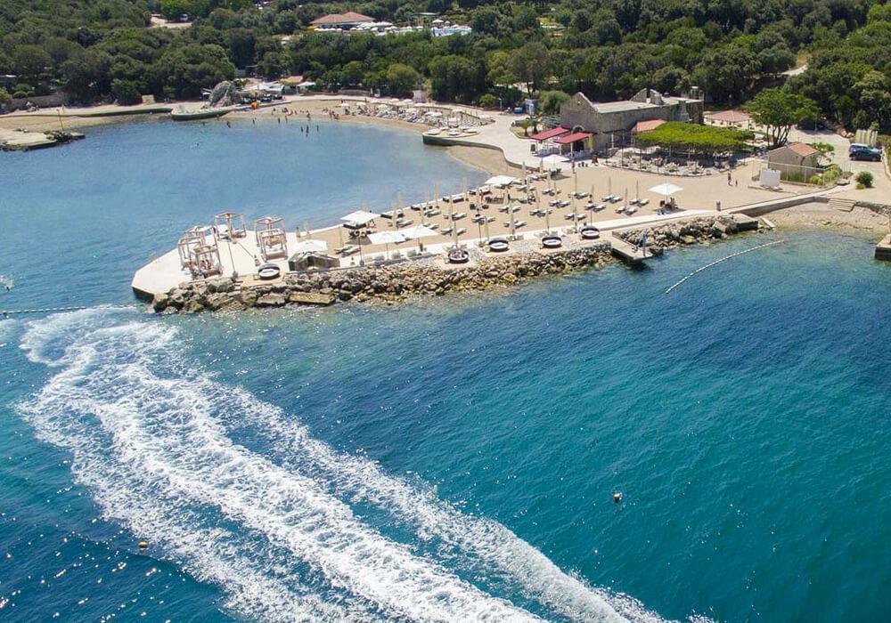 Esta Playa es ideal para venir con familia y niños.