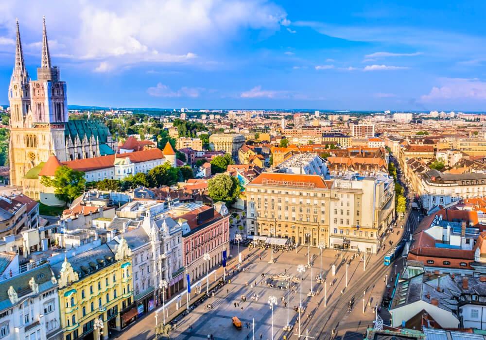 Ésta hermosa ciudad, Capital de Croacia se caracteriza por su arquitectura austrohúngara.