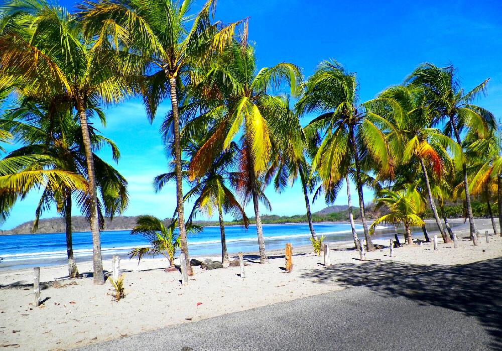 Ésta hermosa Playa se encuentra en Guanacaste, lista para ser visitada por ti.