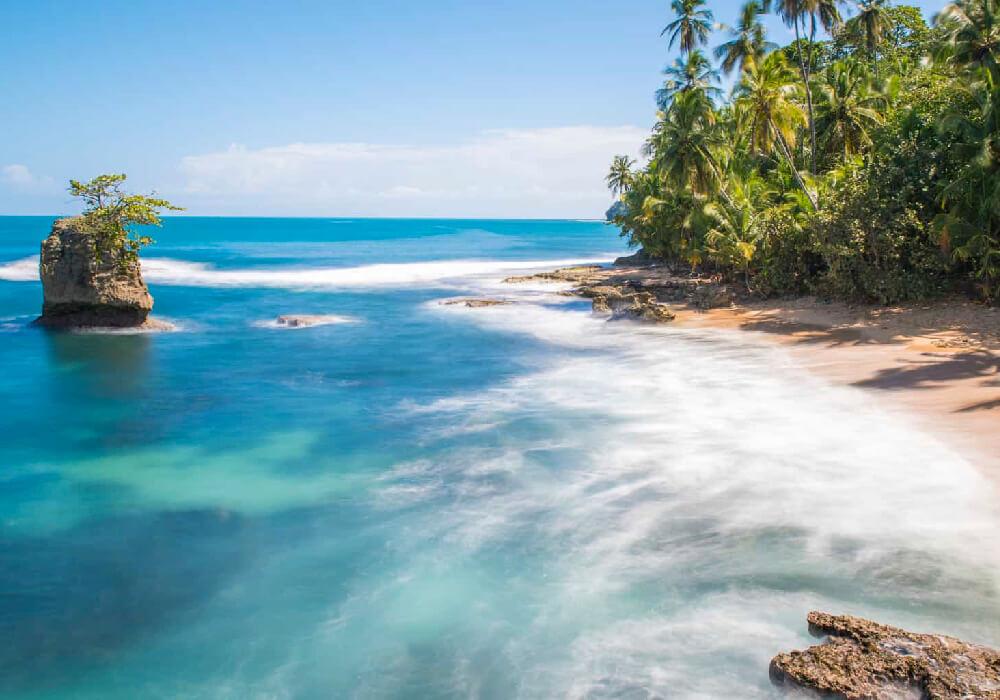 Manzanillo, tiene diversas playas pero desde luego que la que lleva su mismo nombre es sumamente hermosa.