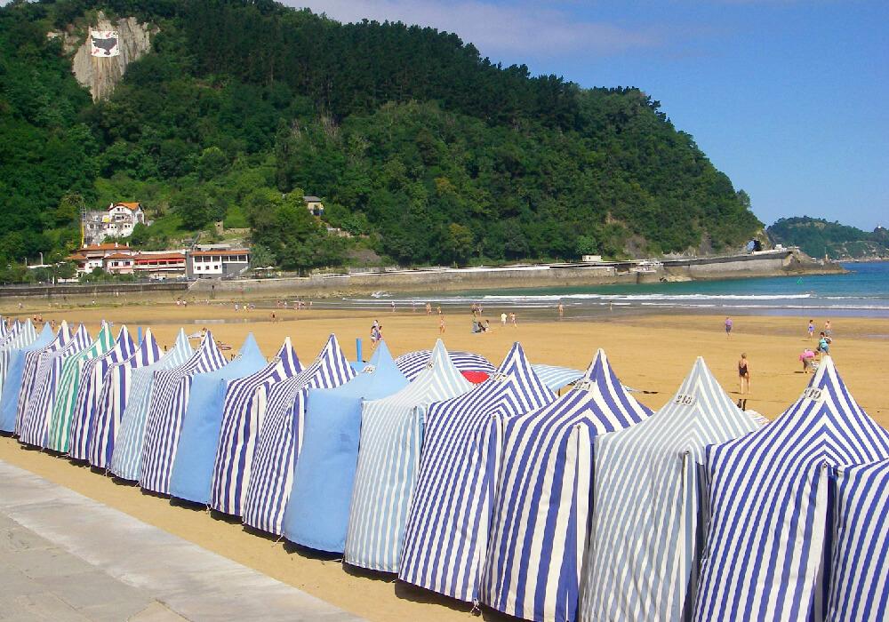 En ésta hermosa playa se realizan campeonatos de surf.