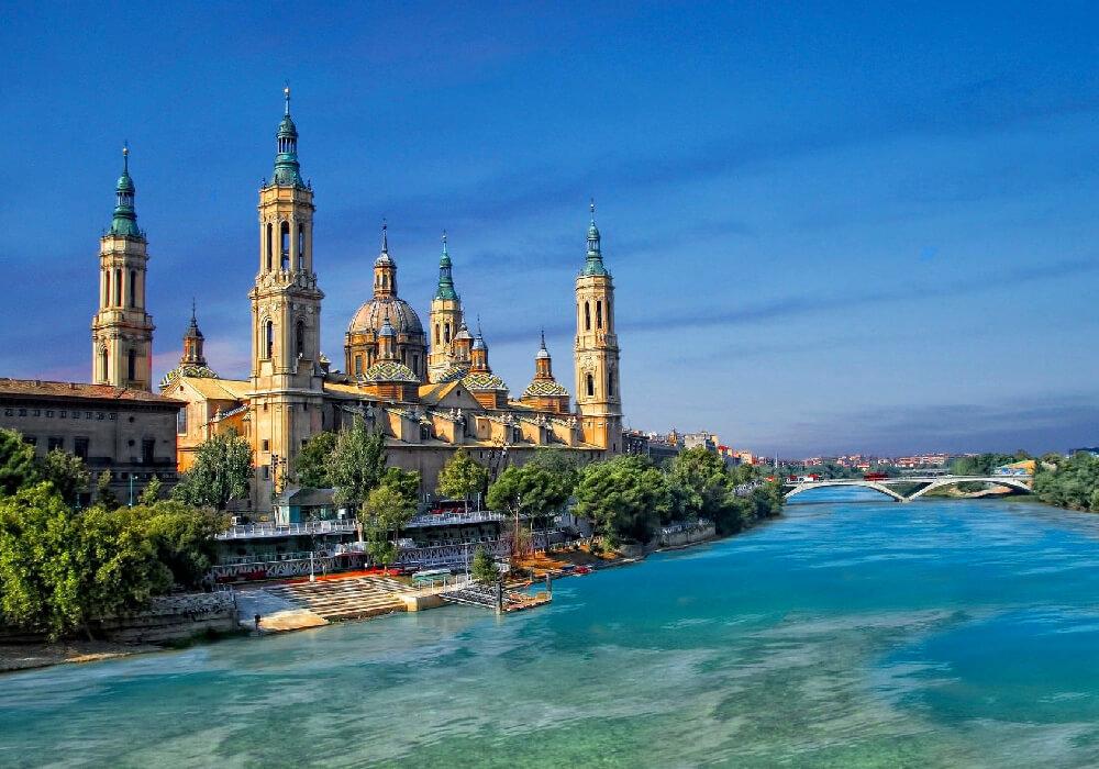 Zaragoza es una ciudad de riquezas arquitectónicas, ¡no esperes más y conócela!