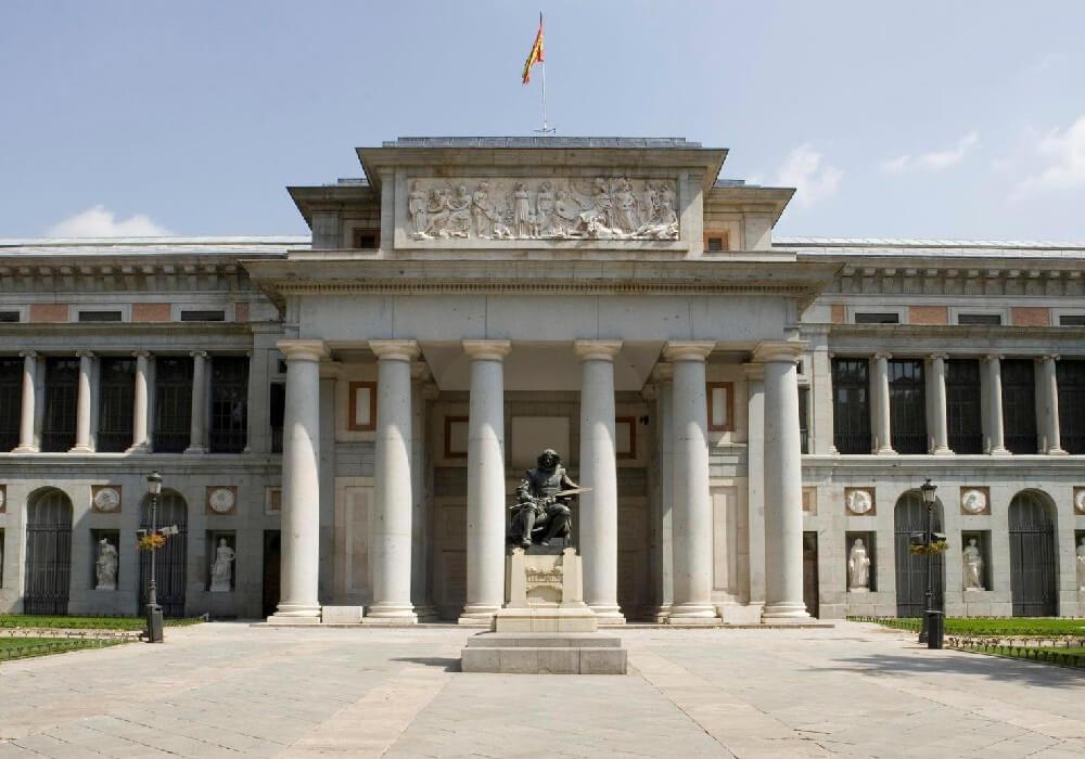 Triángulo de Artes. Es así como se le denomina al grupo de museos de Madrid ubicados en la zona del Paseo del Prado