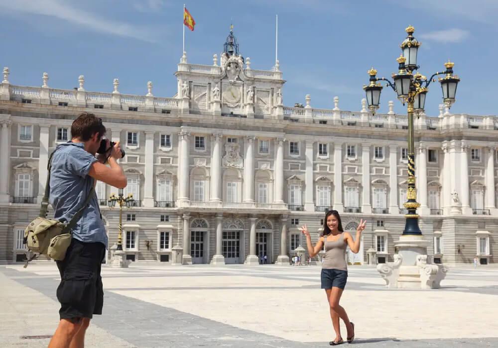 No pierdas la oportunidad de conocer los bellos rincones de Madrid.