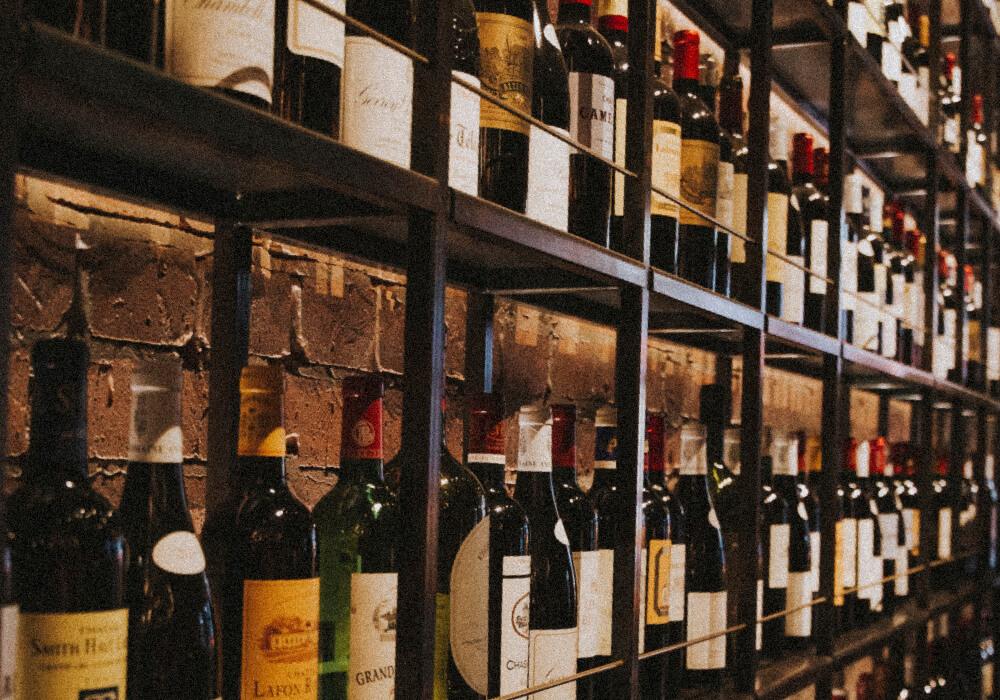 Existen diversas bodegas de vino que encontrarás en tu escapada a Benidorm, así que disfruta de por lo menos una.