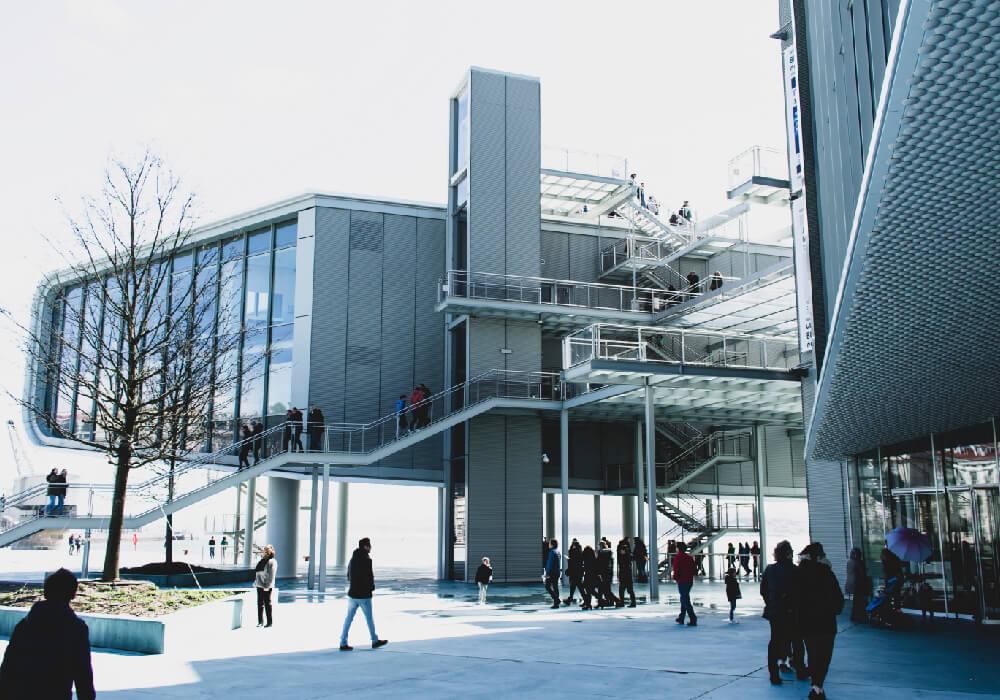 Centro botín sitio de arte contemporáneo en tu visita a Cantabria.