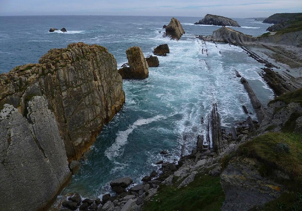 La Costa Quebrada es un paraje digno de admirar en tu viaje a Cantabria.