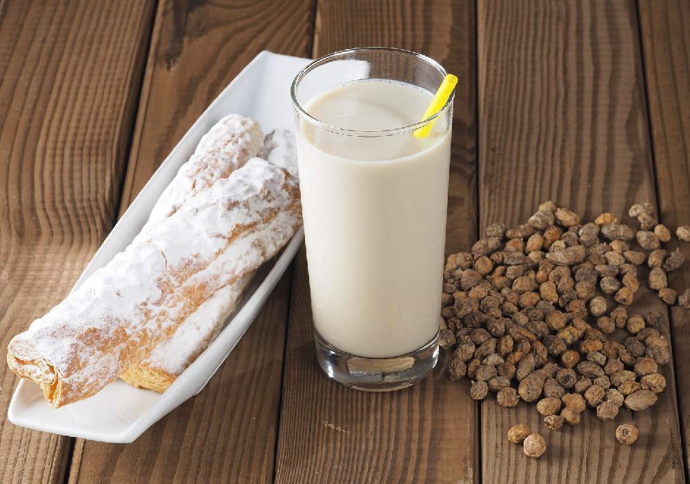 La horchata Valenciana es una bebida típica en este lugar.
