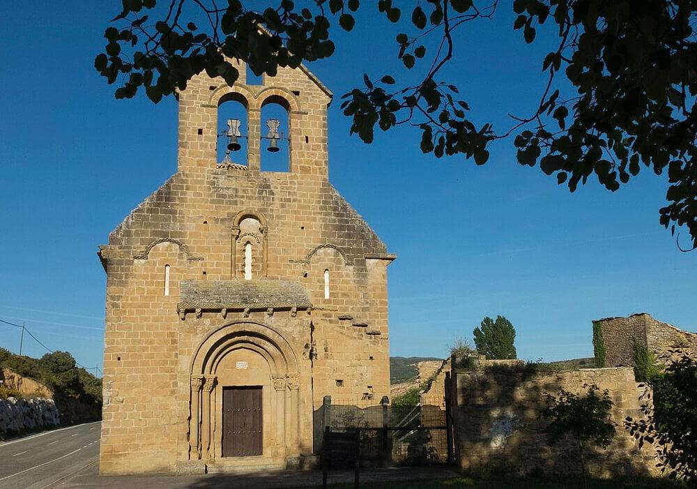 Garinoain pueblo de construcciones medievales en Navarra.