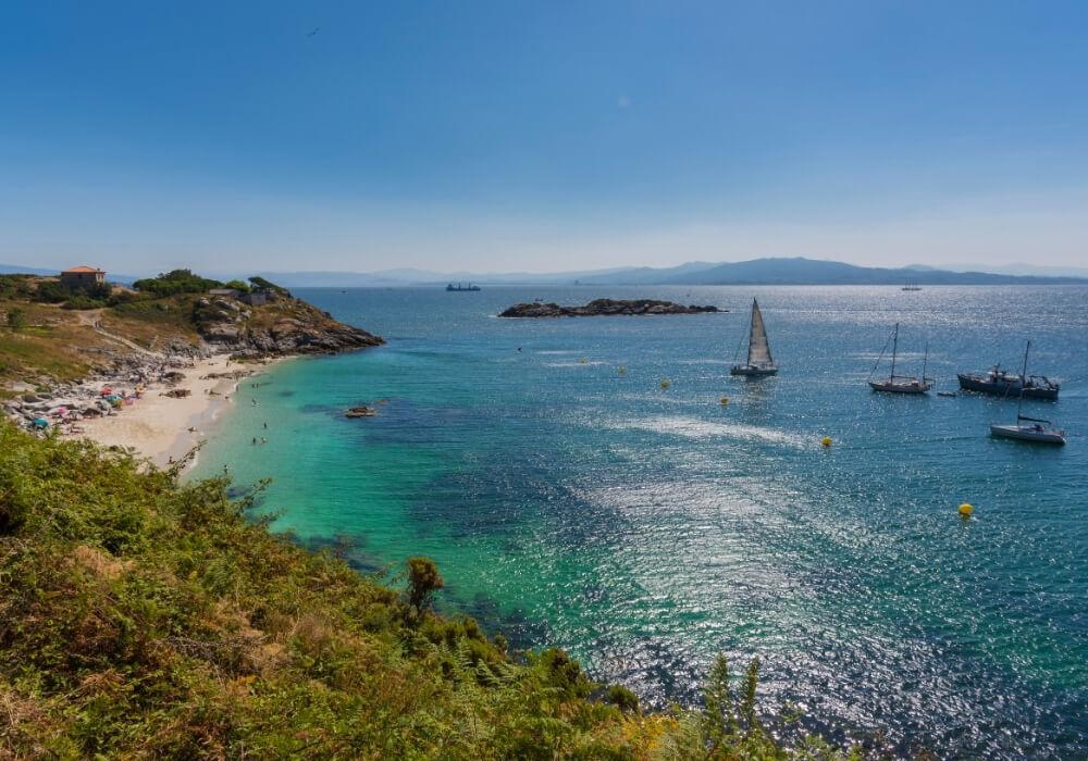 Isla Cíes es una visita que debes realizar en tu viaje a Vigo.