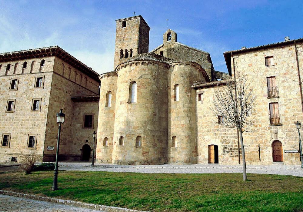 visita el monasterio de leyre