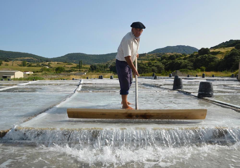 En la Salinera, podrás conocer el proceso artesanal para obtener la sal con el agua mineral.