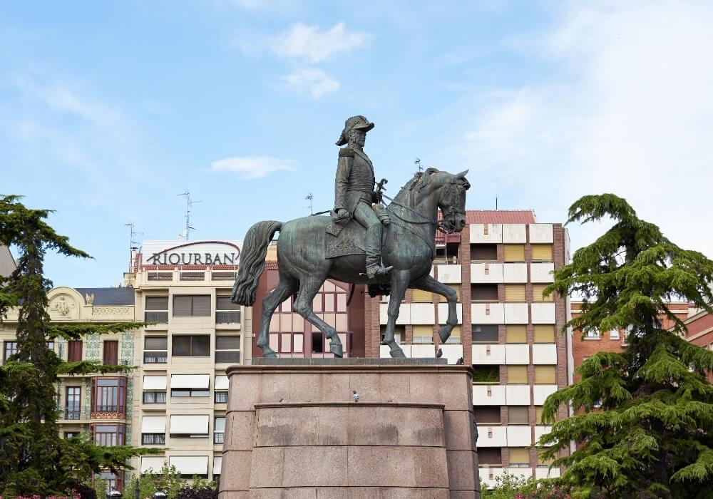 Estatua del Espartero en Logroño