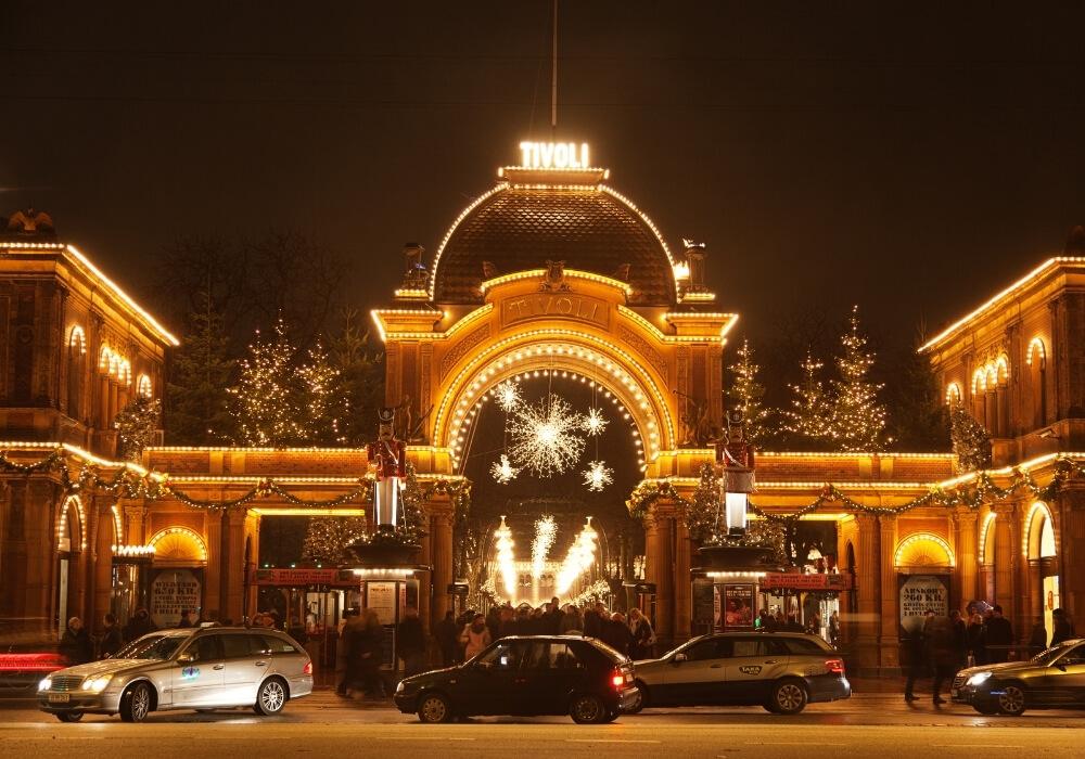 Mercado navideño Tivoli Gardens en Copenhague